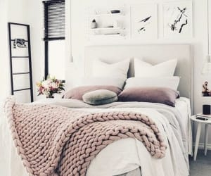 bedroom, Chambre, and cocooning image