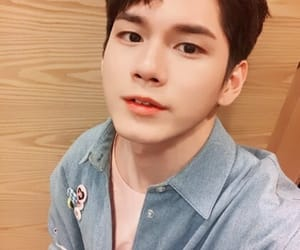 ong seongwoo, wanna one, and produce 101 season 2 image