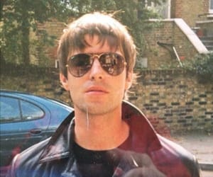 liam gallagher, oasis, and band image