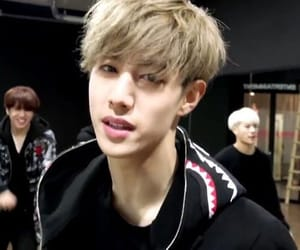 mark, mark tuan, and got7 image