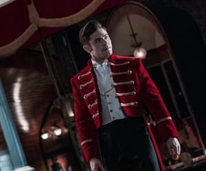 zac efron and the greatest showman image