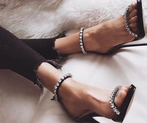 black, heels, and perles image