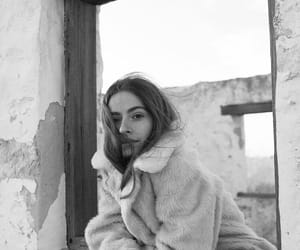 b&w, black and white, and girl image