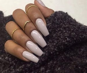 accessoires, nails, and taupe image