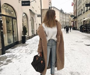 outfit, winter, and fashion image