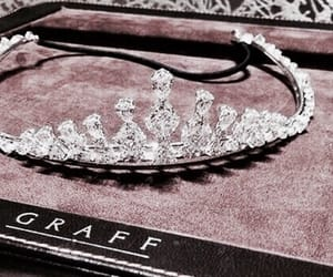 beauty, crown, and graff image