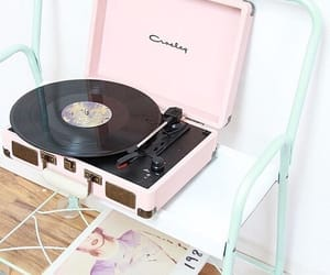 music, Taylor Swift, and pastel image