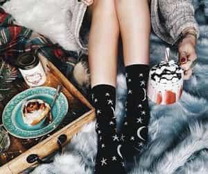 cinnamon rolls, cozy, and lifestyle image