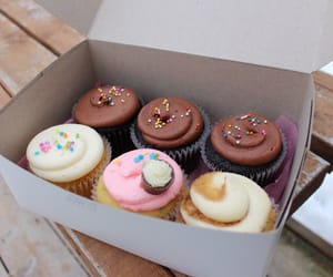 cupcakes, food, and tumblr quality image