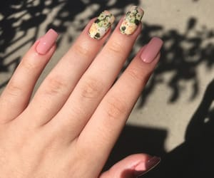 beautiful, flowers, and beautifulnails image