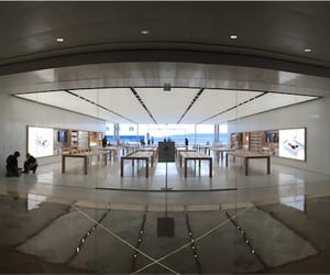 Apple Store and marseille image