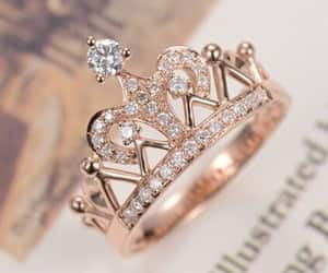 ring and crown image