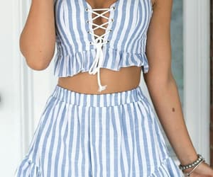 fashion and top crop image