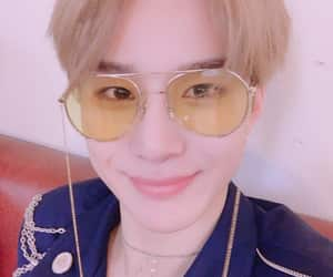 boss, nct 2018, and jungwoo image
