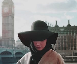 london and hijab fashion image