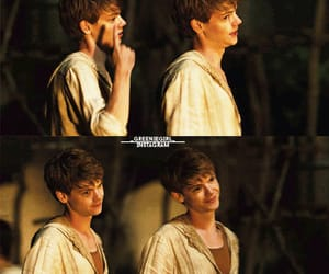 thomas brodie sangster, the maze runner newt, and maze runner image
