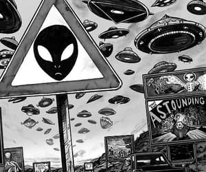 aliens, movil, and extraterrestres image