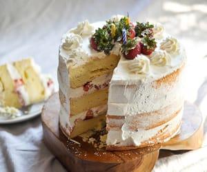 cake, chiffon, and dessert image