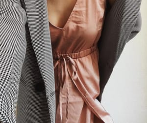 accessories, details, and dress image
