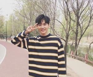 idol producer and zhou yanchen image