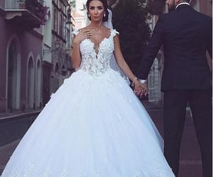 wedding, ball gown wedding dress, and wedding photograghy image