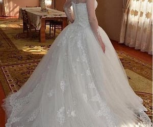 princess wedding dress and ball gown wedding dress image