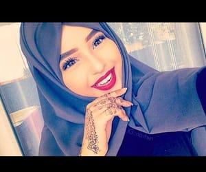 femme, hijab, and voilée image
