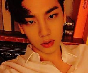 asian, selfie, and kpop idol image