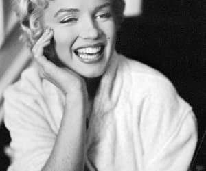 belleza, blanco y negro, and Marilyn Monroe image