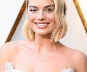 Academy Awards, chanel, and margot image
