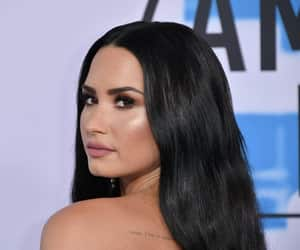 demi lovato, beauty, and Queen image