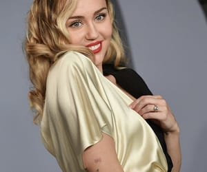 miley cyrus, beauty, and celebrities image