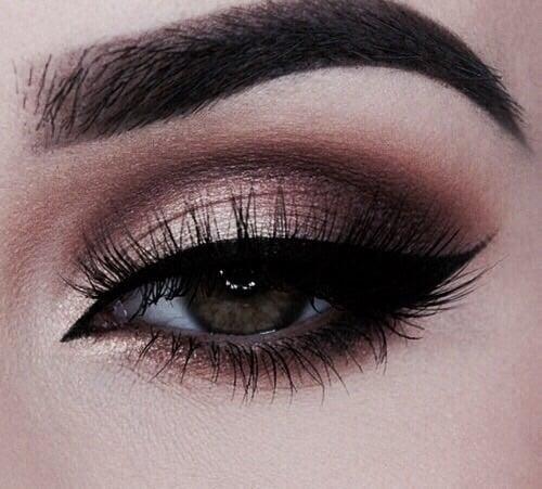 article, eye, and eyelash image