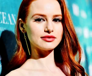 beauty, madelaine petsch, and ginger image