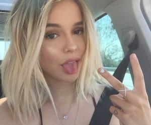 hair, acacia brinley, and blonde image