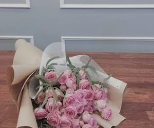 aesthetic, blue, and bouquet image