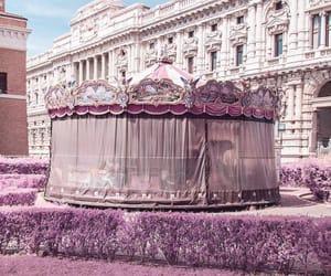 carousel, carrossel, and garden image