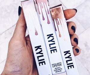 aesthetic and kylie cosmetics image