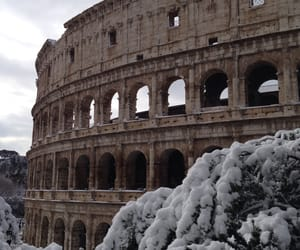 coliseo, roma, and snow image