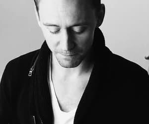 tom hiddleston, gif, and loki image