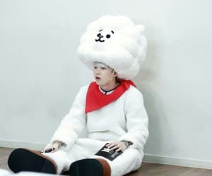 costume, yoongi, and min suga image