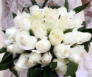bouquet, dentelle, and dress image