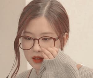 rose, blackpink, and headers kpop image
