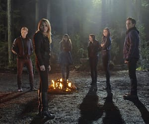 cast, forest, and the secret circle image