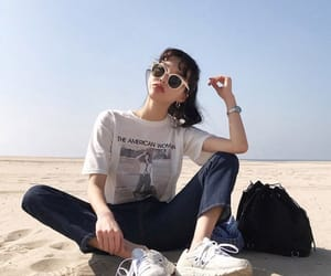 beach, kfashion, and ulzzang image