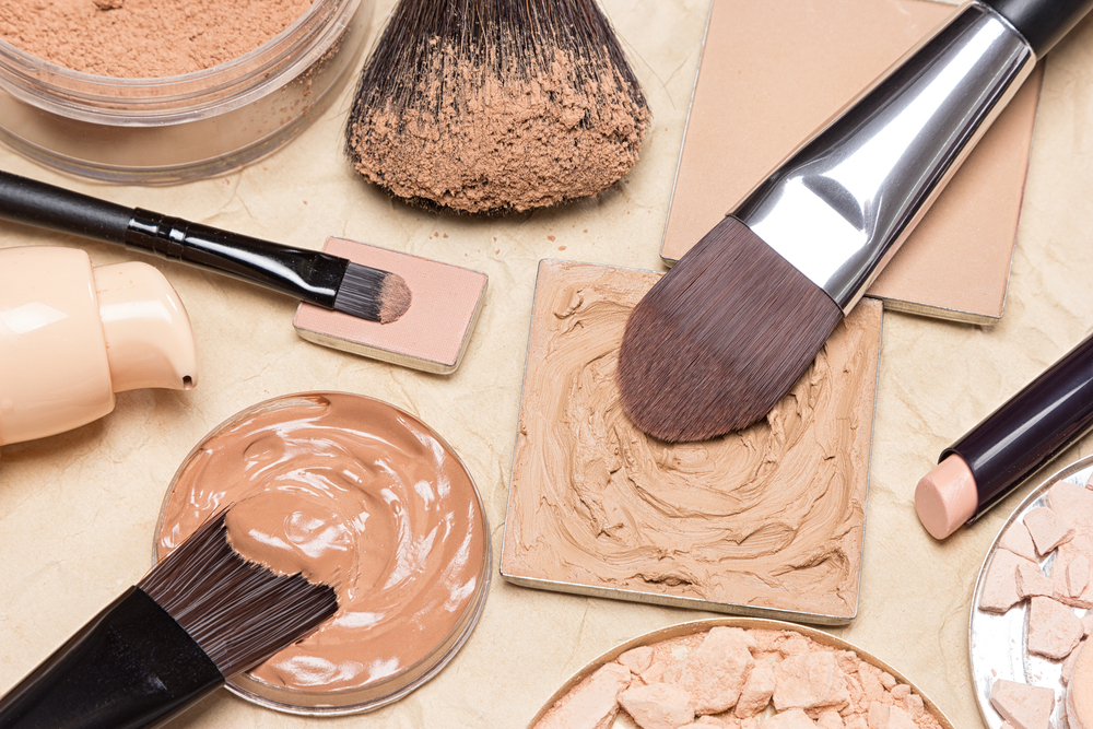 article, wrinkle, and makeup tips image