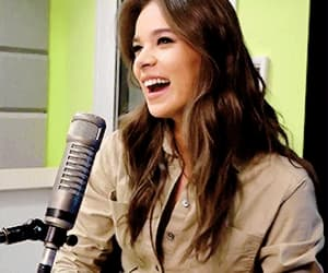 gif, singer, and hailee steinfeld image