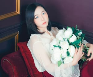 bouquet, girl, and model image