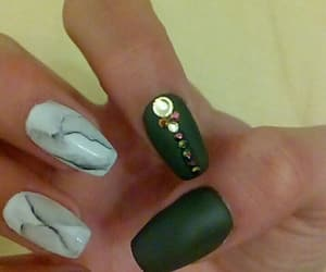 gold, hand, and manicure image