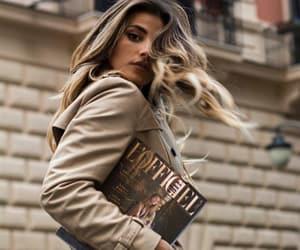revista and libro image